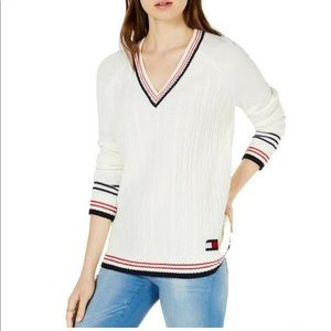 Preppy cable knit Tommy Hilfiger sweater XS